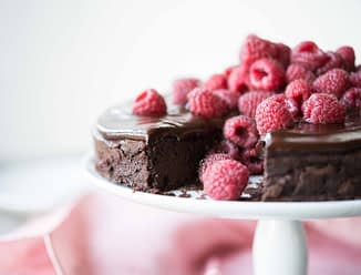healthy valentines day roundup flourless chocolate cake