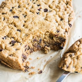 Slow Cooker Chocolate Chip Cookie Cake