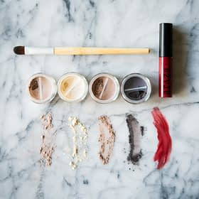 Araza Holiday Paleo Makeup