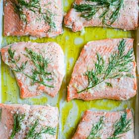 Dill and Garlic Baked Salmon