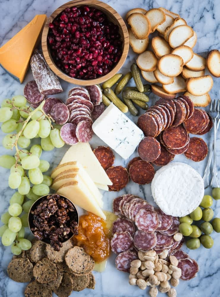 how to make the perfect charcuterie board